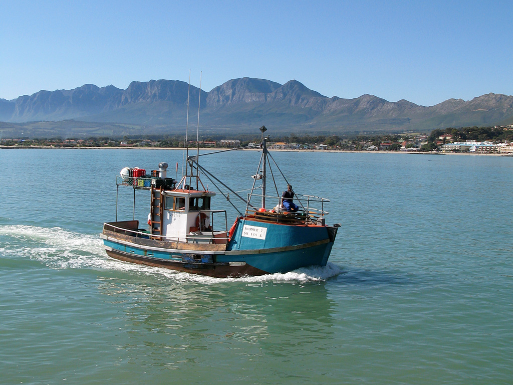 https://commons.wikimedia.org/wiki/File:South_African_fishing_boat.jpg